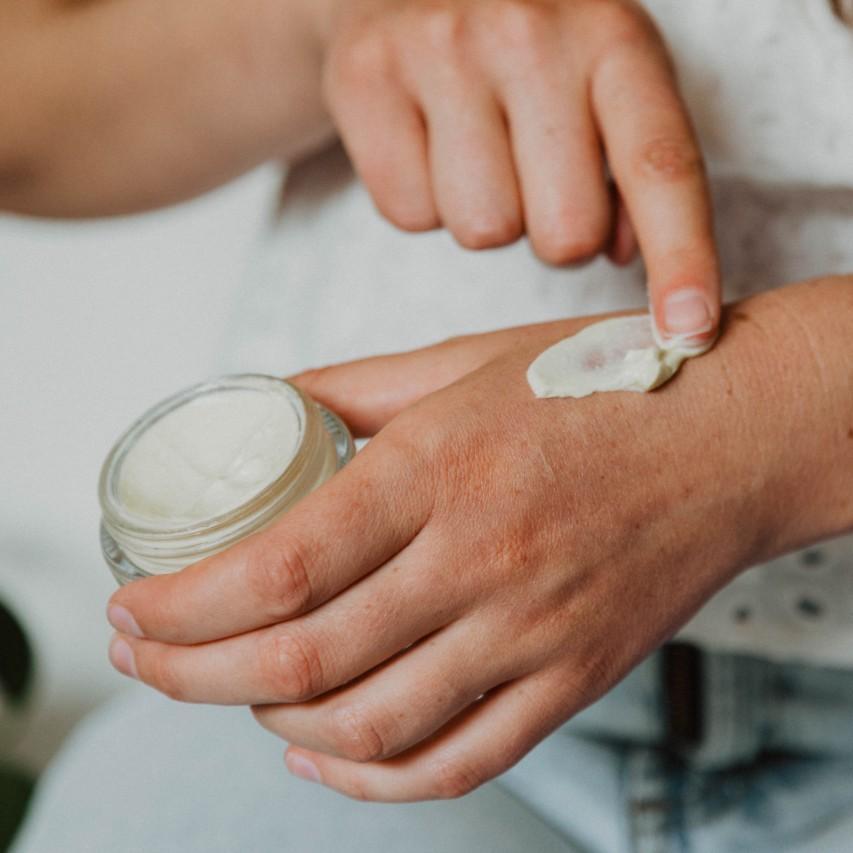 body-cream-lifestyle-texture